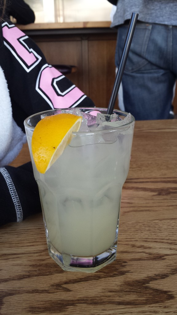 "Did I mention the ""housemade"" lemonade? I think they charged me $3 for about 6 oz. Guess lemons are hard to come by in Southern California...."